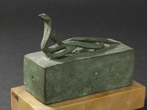 cercueil ; sarcophage de serpent