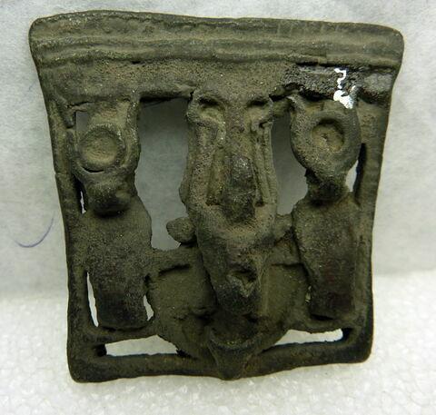 amulette ; pectoral en naos
