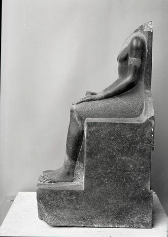 vue d'ensemble ; profil gauche © Musée du Louvre / Chuzeville