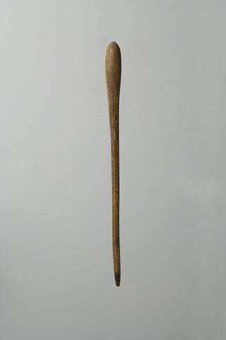 bâtonnet à kohol en massue