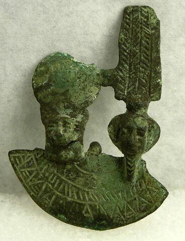 égide double ; amulette