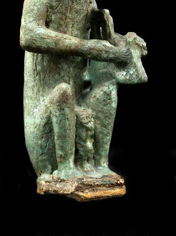 détail ; trois quarts droit © 2012 Musée du Louvre / Georges Poncet