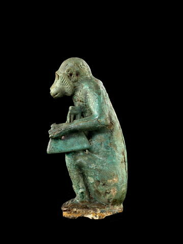 vue d'ensemble ; trois quarts gauche © 2012 Musée du Louvre / Georges Poncet