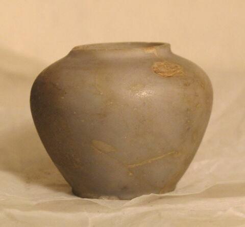 pot ; vase à onguent