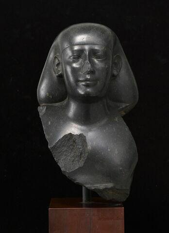 statue ; statue naophore
