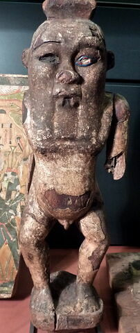statue ; élément momifié