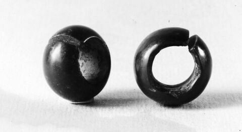 boucle d'oreille en anneau coupé