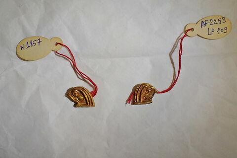 extrémité de collier  collier à 4 rangs