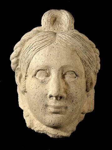 vue d'ensemble ; face, recto, avers, avant © 2011 Musée du Louvre / Georges Poncet