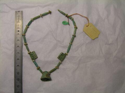 collier à pendentif