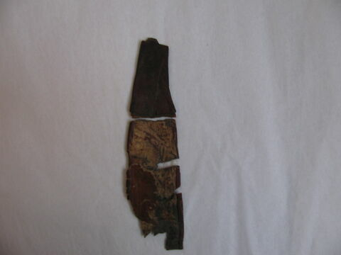 bretelle ; garniture de momie
