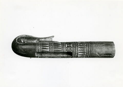 détail ; trois quarts © Musée du Louvre / Maurice et Pierre Chuzeville
