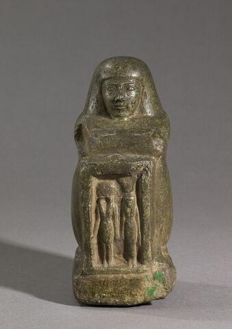 statue cube ; statue naophore