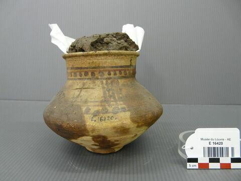 récipient biconique à col large ; couvercle de vase ; avec contenu