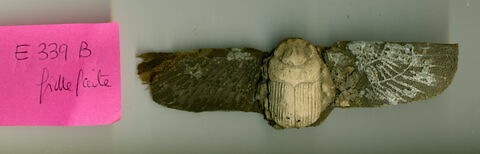 garniture de momie ; pectoral ; scarabée funéraire