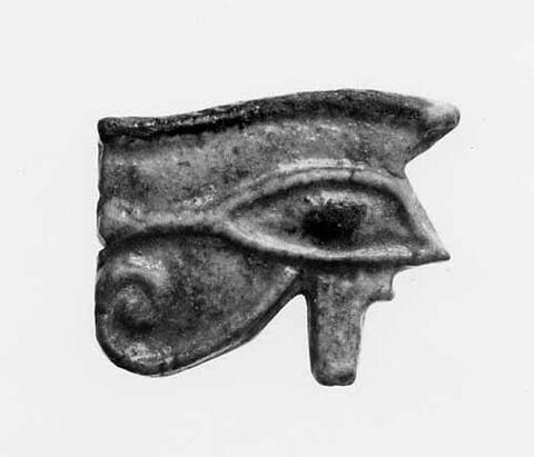 amulette oudjat simple monoface ; amulette oudjat à dos lisse convexe