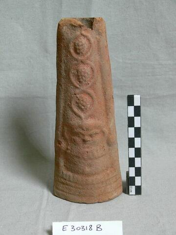 figurine ; torche