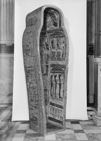 vue d'ensemble ; trois quarts droit © 1980 Musée du Louvre / Maurice et Pierre Chuzeville