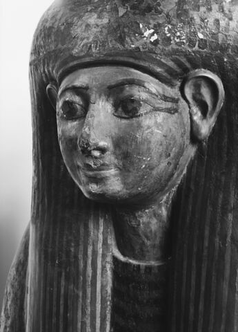 détail ; vue extérieure ; trois quarts face ; partie supérieure © 1980 Musée du Louvre / Maurice et Pierre Chuzeville