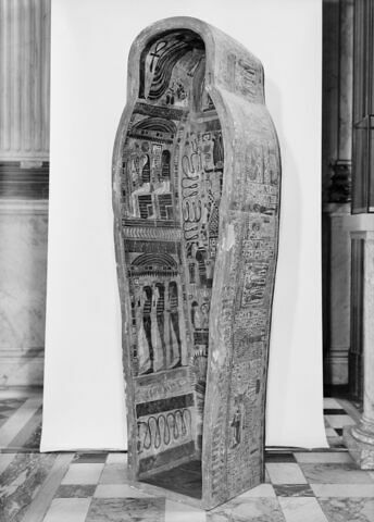 vue d'ensemble ; trois quarts gauche © 1980 Musée du Louvre / Maurice et Pierre Chuzeville
