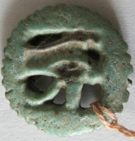 amulette ; amulette oudjat circonscrit ajouré ; amulette oudjat simple monoface