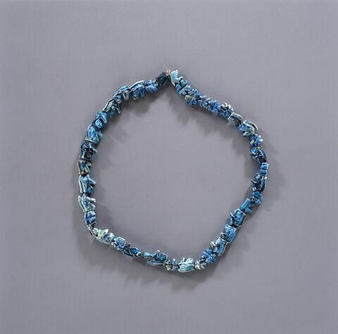 collier ; amulette ; perle