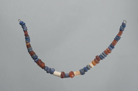 collier ; perle biconique  ; perle rondelle