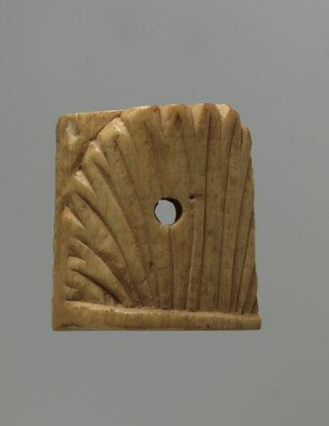 applique ; élément de meuble ; coffret  ; tabletterie ; incrustation