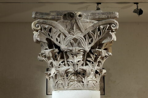 chapiteau ; colonne