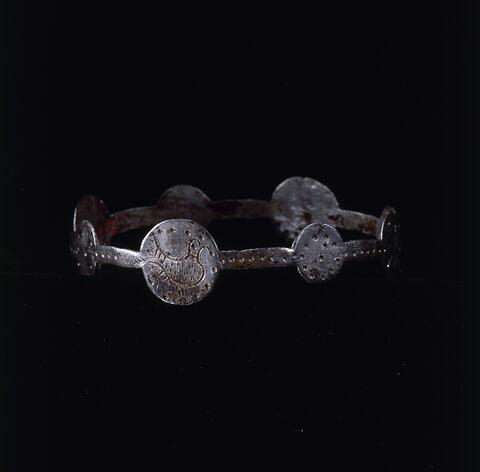 bracelet en anneau à médaillons