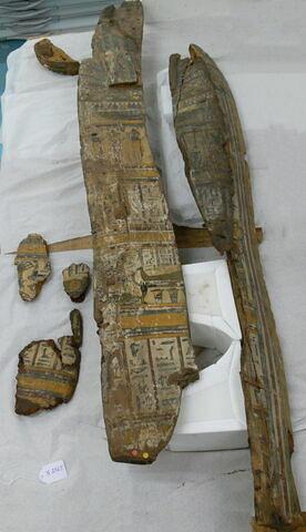 couvercle de cercueil ; fragments