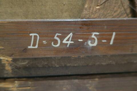 détail marquage / immatriculation ; dos, verso, revers, arrière © 2019 Musée du Louvre / Peintures