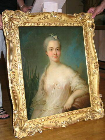 Portrait de Mme de Seyne en source