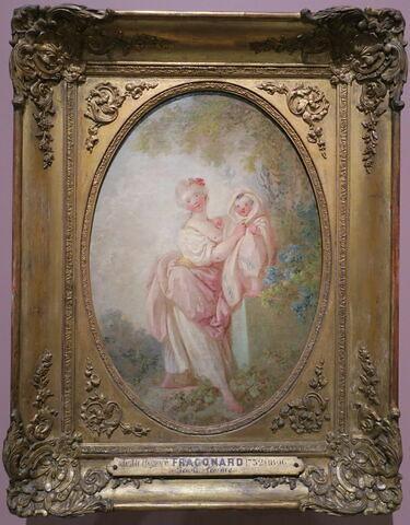 Jeune femme tenant un petit enfant