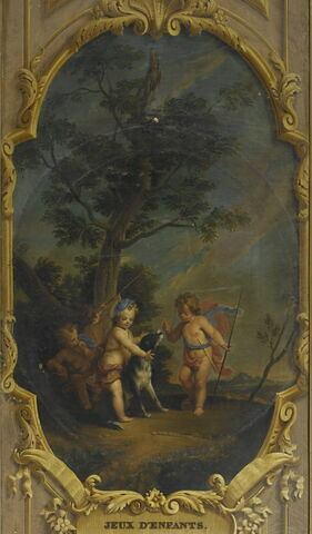 Enfants jouant avec un chien et des épées de bois