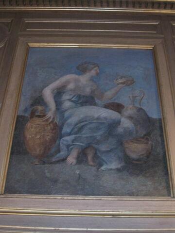 Femme assise tenant la couronne de France