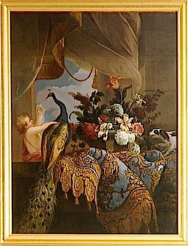 Des Fleurs et un enfant jouant avec un paon