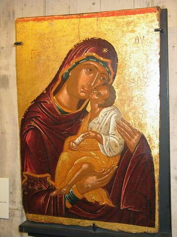 La Vierge tenant dans ses bras l'Enfant Jésus