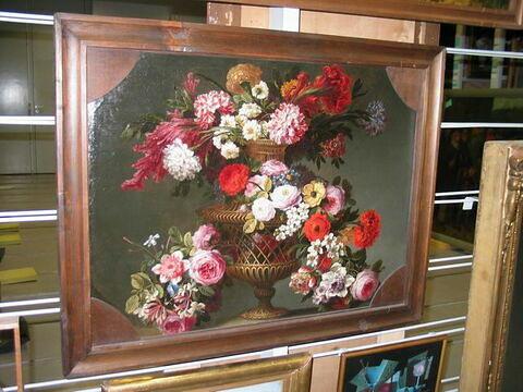 Vase, pot ou panier de fleurs