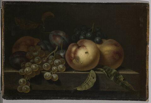 Pêches, prunes et raisins