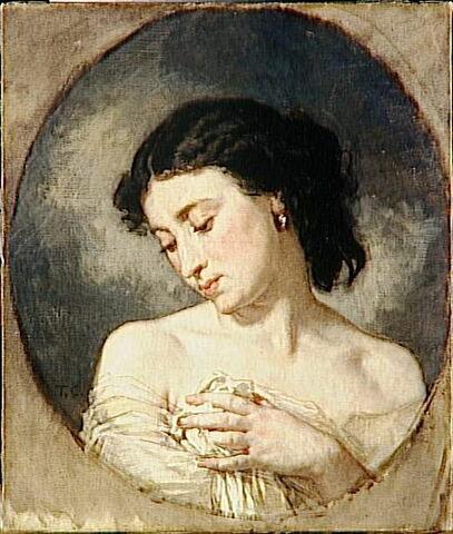 Jeune femme en buste, les épaules dénudées.