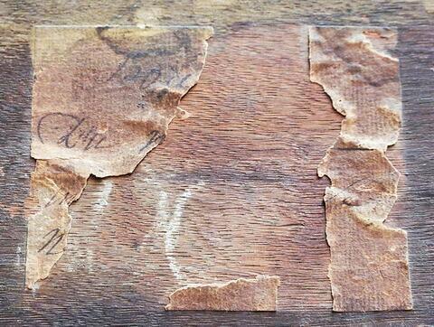 dos, verso, revers, arrière ; cadre ; détail étiquette © 2018 Musée du Louvre / Peintures