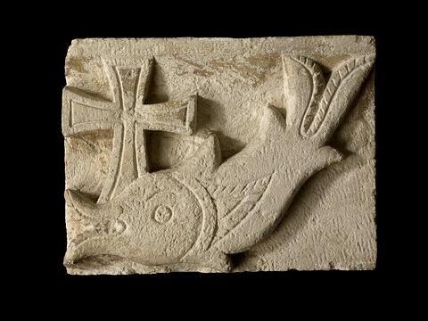 relief mural ; Relief au poisson d'Ermant