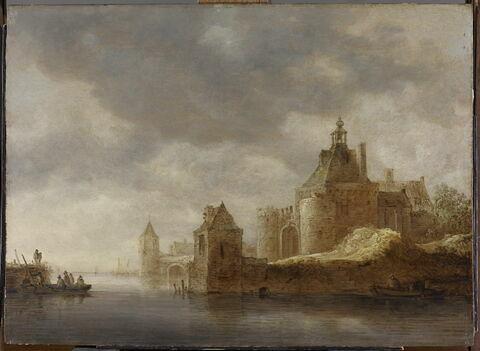 Embarcadère près de la forteresse