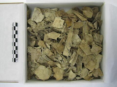 papier ; papyrus ; parchemin