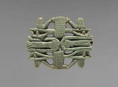 amulette oudjat quadruple parallèle ; biface