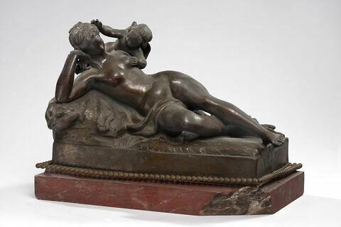Venus endormie et l'amour