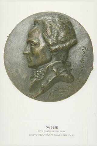 Robespierre coiffé d'une perruque (1758-1794) avocat et conventionnel