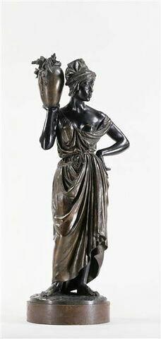 Marie à la fontaine