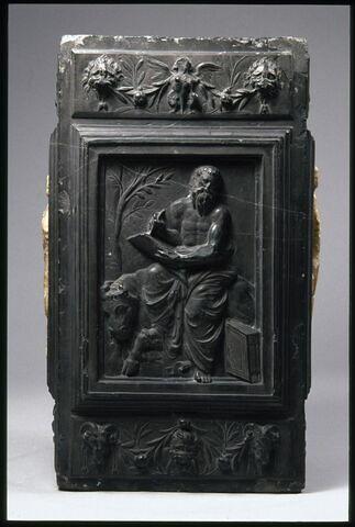 L'évangéliste saint Luc, la Foi et l'Espérance (?) Élément du monument funéraire d'Emeric Schillinck, chantre de Saint-Lambert de Liège de 1550 à sa mort en 1565